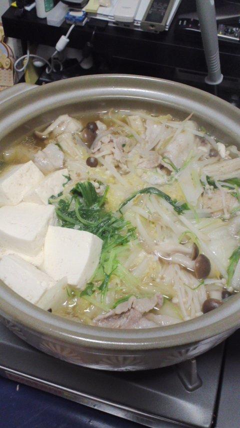 【グルメ】豚と白菜鍋からのキムチ鍋